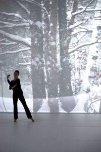 Angélique Poilin in Kalos, eîdos, skopeîn (2019) d'Andrée Martin. Photo Andrée Martin