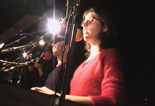 Au premier plan Julie Nioche, et derrière Christian Rizzo et Fannny de Chaillé